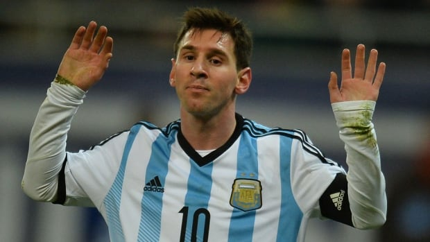 Argentina's Lionel Messi has had several bouts of nausea on the pitch, which has many fans and doctors alike scratching their heads.