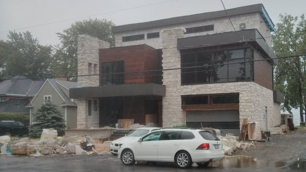 Neighbours argue the new $2.5-million on Chemin in Aylmer is not a good fit.