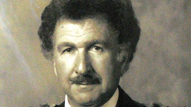 Bernard Lang served 22 years as mayor of Côte Saint-Luc before retiring in 1998.