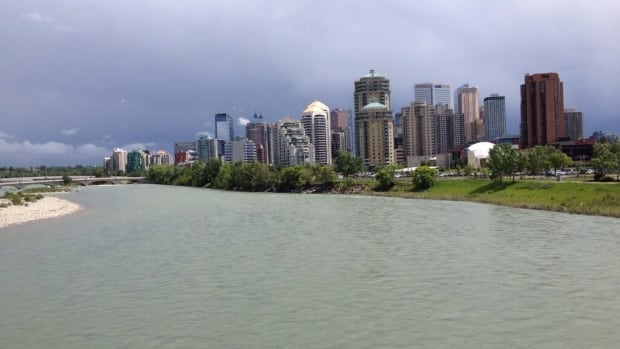 The fire department is reminding Calgarians to avoid boating activities and to stay off both rivers in the city.