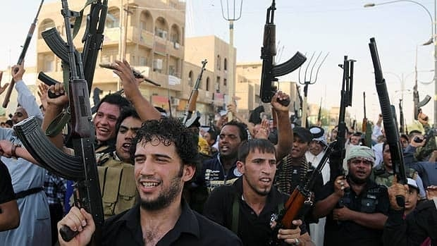 Iraq conflict: ISIS extends grip in north
