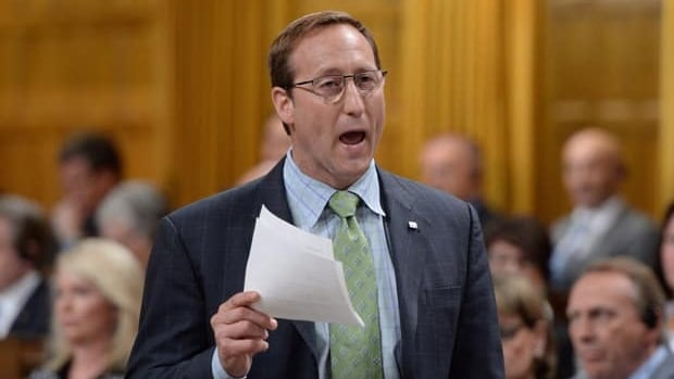 Peter MacKay's emails 'out of touch'