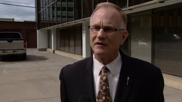 Wildrose MLA Joe Anglin says his party is allowing rule-breaking by allowing a constituency president to run for the local nomination after he failed to step down before starting his campaign.