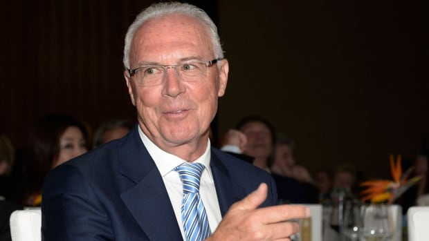 FIFA has lifted the 90-ban of German adviser Franz Beckenbauer after he agreed to help an investigation of alleged corruption in the 2018 and 2022 World Cup votes.