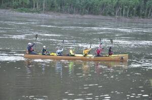 Yukon voyageur canoe team