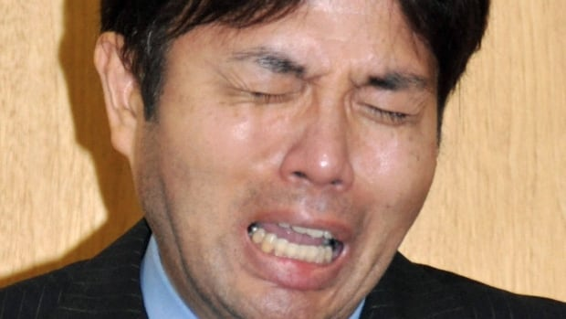 Japanese politician Ryutaro Nonomura cried, wailed and slammed his fists on the desk during a press conference in which he addressed accusations of spending tens of thousands of dollars on trips to a luxury hot springs resort.
