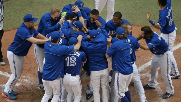The Toronto Blue Jays are hoping to build off their exciting walk-off win from Wednesday afternoon against the Milwaukee Brewers.