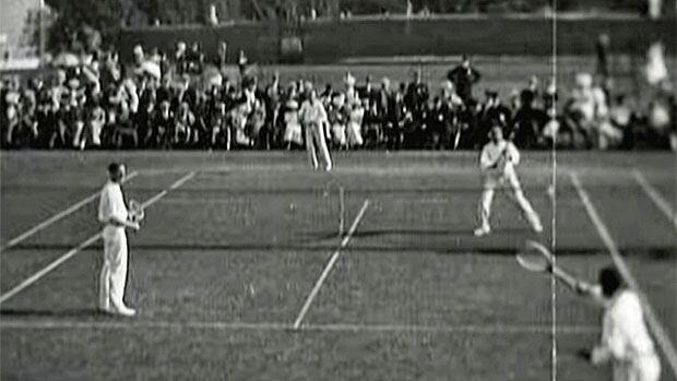 bc-1540706-tennis-1900-doubles.jpg