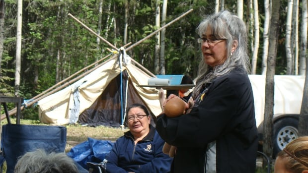 Darlene Birch gives a presentation about breastfeeding, at a Norway House women's gathering. Birch is the only midwife in Manitoba who is funded by the province to work specifically in a First Nation community.