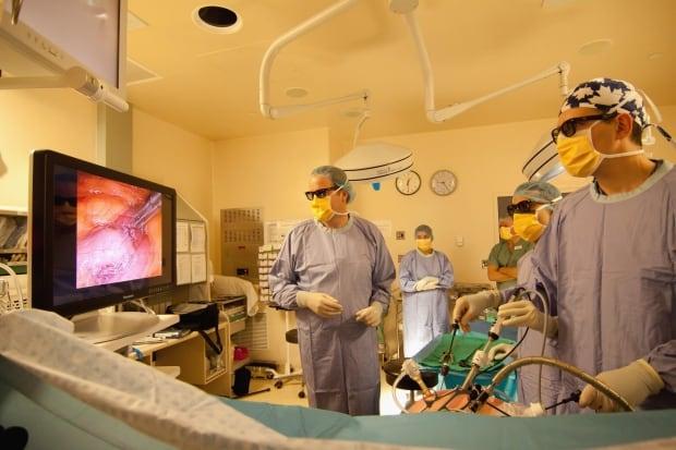 HealthMatters 3D Surgery 20120123