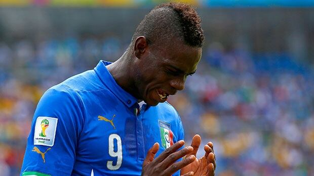 NATAL, BRAZIL - JUNE 24: Mario Balotelli of Italy reacts during the 2014 FIFA World Cup Brazil Group D match between Italy and Uruguay at Estadio das Dunas on June 24, 2014 in Natal, Brazil. (Photo by Clive Rose/Getty Images)