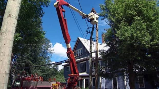 Thousands in N.B. still without power after Arthur
