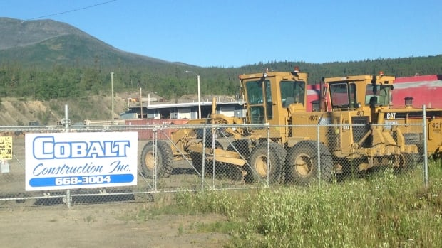 A Yukon Supreme Court Justice says it was unfair of the Kluane First Nation to award a road building contract to its own construction company, when it wasn't the lowest bidder.