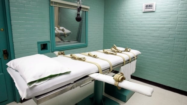Three botched executions by lethal injection have American states considering a return to the firing squad.