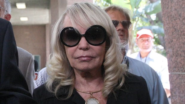 Shelly Sterling claims that she has to right to sell the NBA's Los Angeles Clippers team to former Microsoft Chief Executive Steve Ballmer for a record $2 billion US because her 80-year-old husband Donald Sterling, who has owned the Clipper for 33 years, is no longer mentally competent to manage his team and business empire. Closing arguments begin Monday.