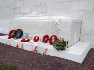 Canadian Vimy Ridge memorial tomb of the unknown soldier