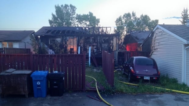 An fire ripped through a house in Whitehorn early Thursday morning, badly damaging a neighbouring house as well.