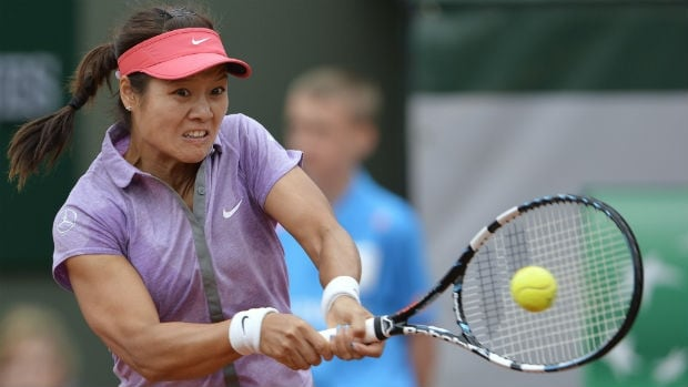 """The second-ranked Li Na wrote in a posting on Facebook that she has """"been struggling"""" with her knee since March """"and it is just not where I need it to be in order to play at the highest level."""""""