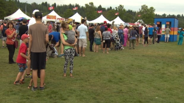 Organizers estimate that about 390,000 people attended the Heritage Festival this weekend.