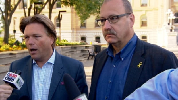Alberta PC leadership candidates Thomas Lukaszuk and Ric McIver both say they want to hold a public leadership debate.