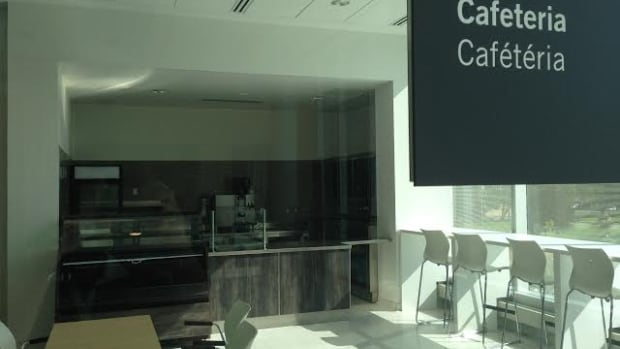 Thunder Bay's Fox on the Run Café closed its outlet at the city's new court house, five months after it opened.