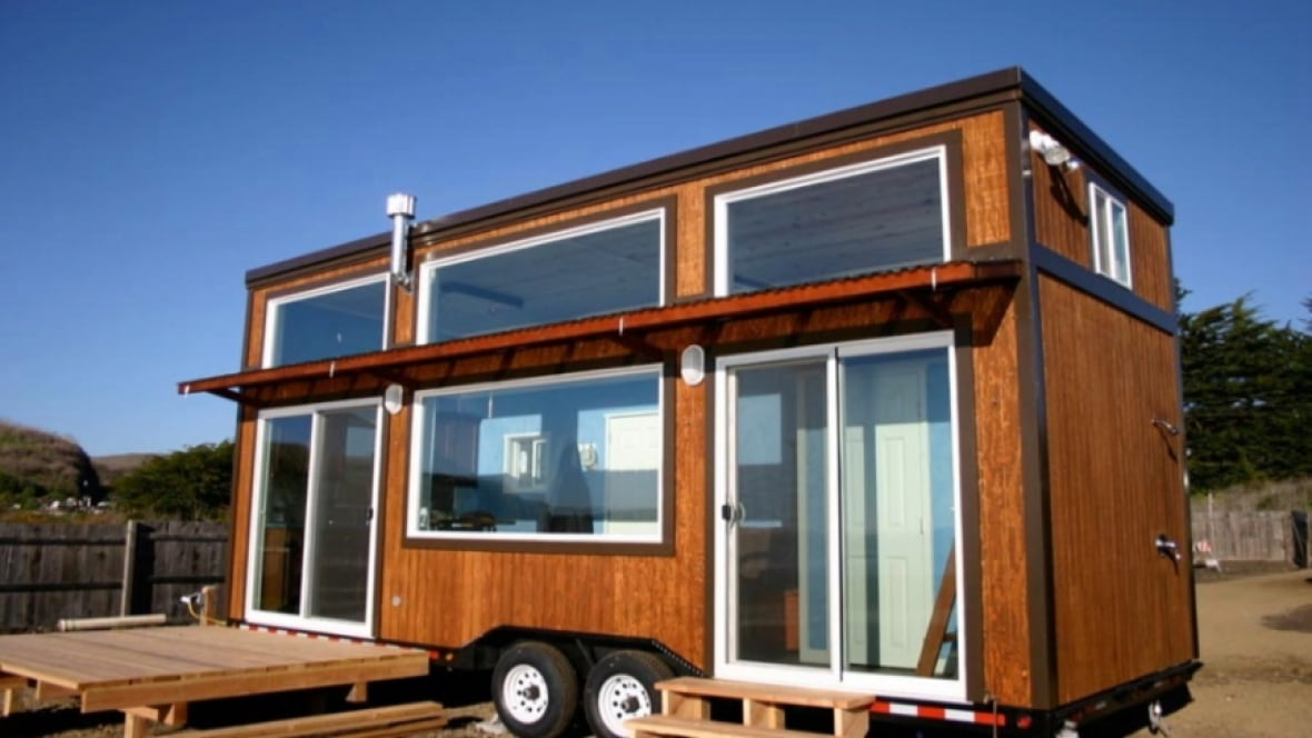 couple builds tiny house on wheels toronto cbc news. Black Bedroom Furniture Sets. Home Design Ideas