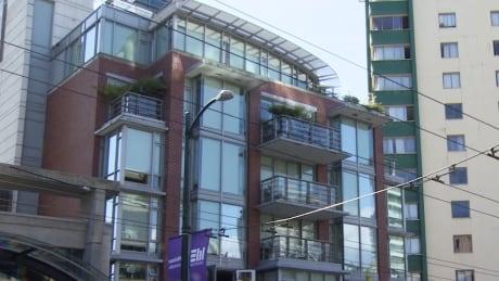 Davie Street apartment building between Bidwell and Denman streets