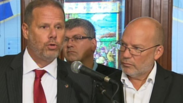 Montreal police union president Yves Francoeur called the Bill 3 hearings 'theatre' and accused the Liberal government of using a 'bulldozer' approach to pension reform.