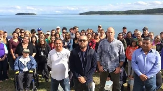 Standing alongside Chief Allan Adam of the Athabasca Chipewyan First Nation, Chief Steve Courtoreille of the Mikisew Cree First Nation and Sierra Club President Michael Brune, actor Leonardo DiCaprio challenged Prime Minister Stephen Harper to complete the ice bucket challenge last week.