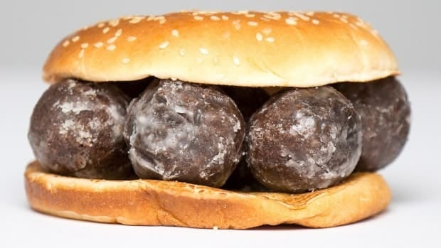 Tim Hortons agrees to Burger King offer
