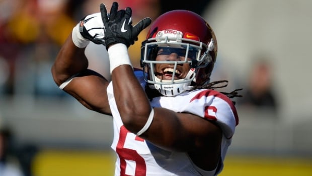 Southern California cornerback Josh Shaw has admitted to lying to school officials about how he sprained his ankles last weekend, retracting his story about jumping off a balcony to save his drowning nephew.