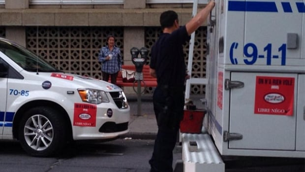 Radio-Canada reporter Pascal Robidas tweeted that the item with the red casing on the ledge of the police truck is the suspicious device in question.