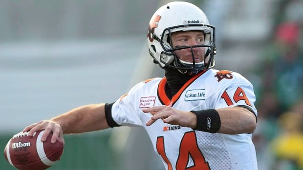 Lions quarterback Travis Lulay will start his first game of 2014 on Friday when the Lions visit Ottawa, almost a full year after injuring his throwing shoulder in a goal-line collision last September.
