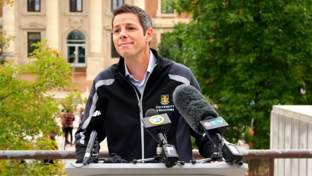 Winnipeg mayoral hopeful Brian Bowman spoke at the University of Manitoba on Thursday about a plan to get more students and graduates involved with city planning.