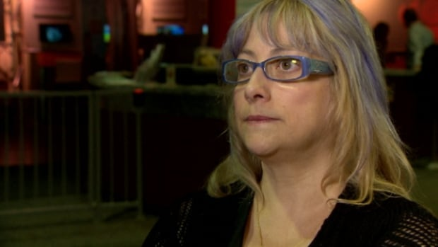 Linda Coccimiglio says she had trouble getting through to the phone voting system. Complaints have also arisen about the online voting system.