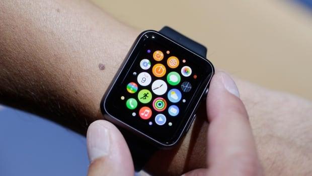 The Apple Watch is expected to debut early next year, but there are few clear answers about whether checking it from the driver's seat constitutes distracted driving.