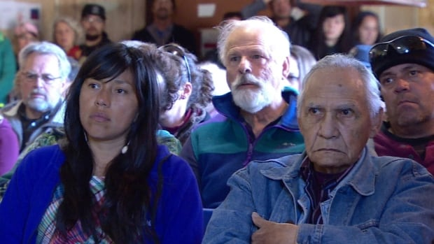 Over 100 people attended a public hearing on fracking in Carcross, Yukon, where speakers were overwhelmingly against the practice.
