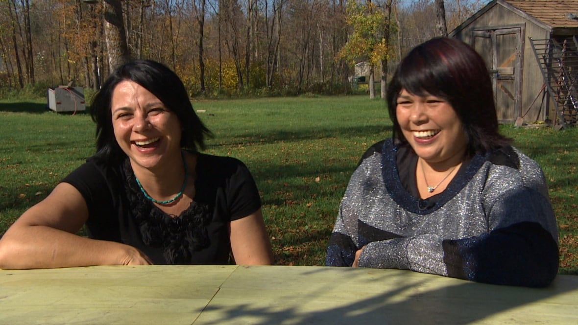 Lesbian couple first to wed at Sagkeeng First Nation ...