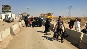 Iraqis return to ISIS-controlled territory
