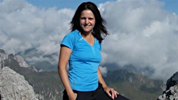 Sonia Lévêque of Quebec was trekking in Nepal when her hiking group was struck by an avalanche. She told CBC/Radio-Canada that she was lucky to have survived.