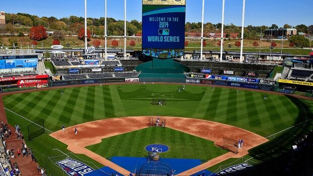 World Series Giants Royals Set For Game 1 In K C After