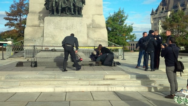 First responders at a shooting at the War Memorial in Ottawa on Oct. 22, 2014