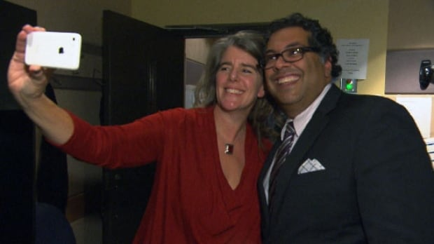 Sue Smith and Naheed Nenshi take a selfie