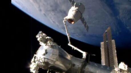 SpaceX Dragon leaves ISS