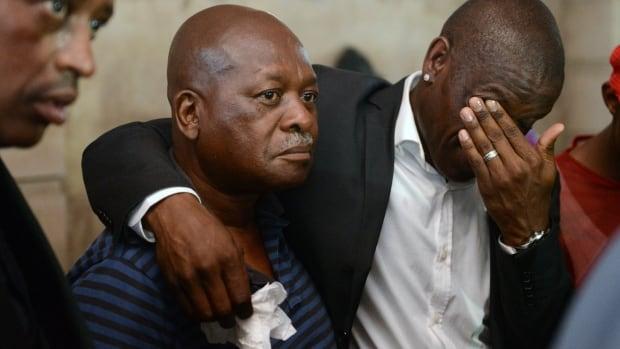 Who is senzo meyiwa dating