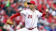 Blue Jays sign Canadian pitcher Jeff Francis