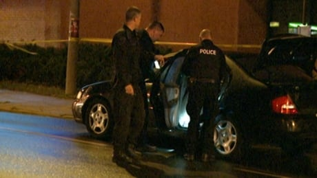 Police search car for explosives