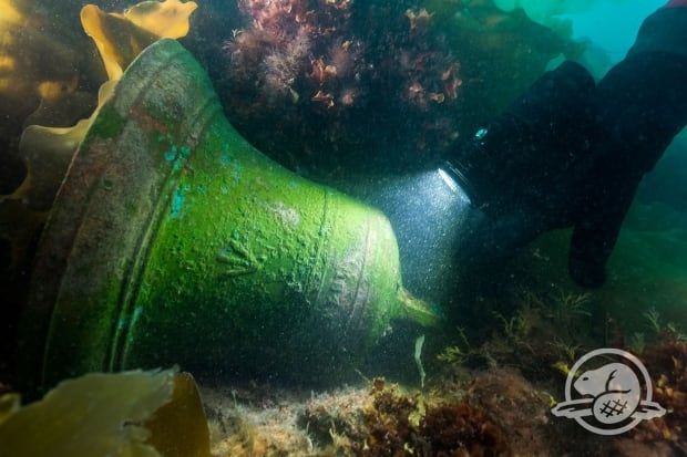 PARKS CANADA - Recovery of the bell of the HMS Erebus