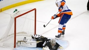 NHL: 3 stories from Friday night