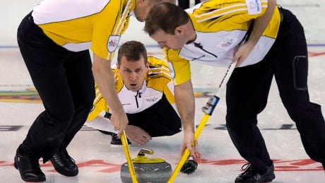 Carruthers remains undefeated at Grand Slam of Curling